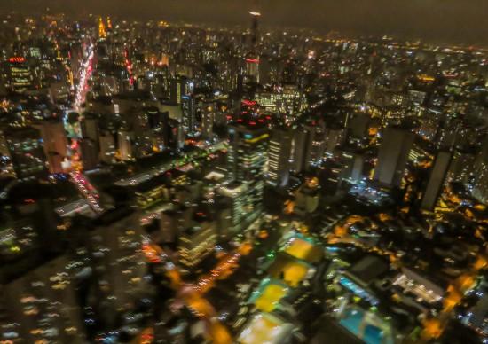 Que tal sobrevoar São Paulo de helicóptero? Sim, é possível!