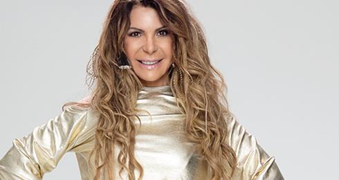 Elba Ramalho leva seu Eletro Acústico ao Teatro Porto Seguro, dia 08 de maio