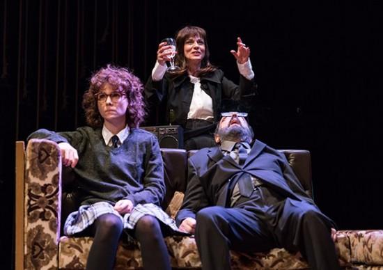 Love, love, love: peça inédita do britânico Mike Barlett em cartaz até 27 de maio, no Teatro Vivo