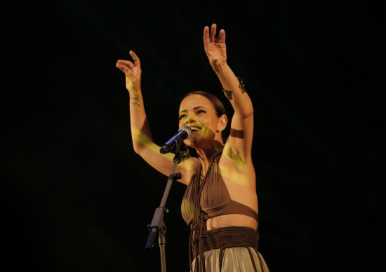 Cantora Vania Abreu escolhe um cantinho de SP como sendo o seu! Clica aqui pra saber qual é