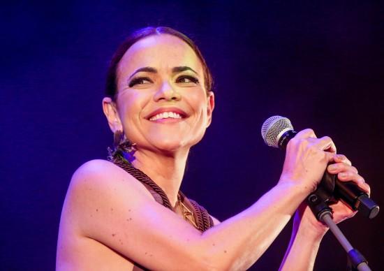 Sesc Belenzinho recebe cantora Vania Abreu no show Antes de Hoje, no dia 13 de maio