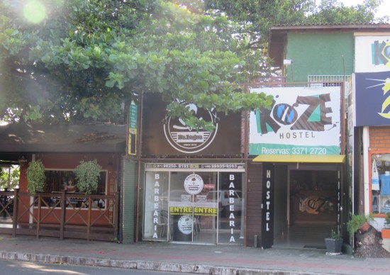 Quer se hospedar num lugar massa em Floripa, anota aí: Koze Hostel!