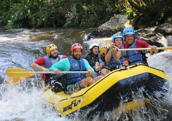 Rafting no Parque das Laranjeiras, em Três Coroas: aventura imperdível na Serra Gaúcha!