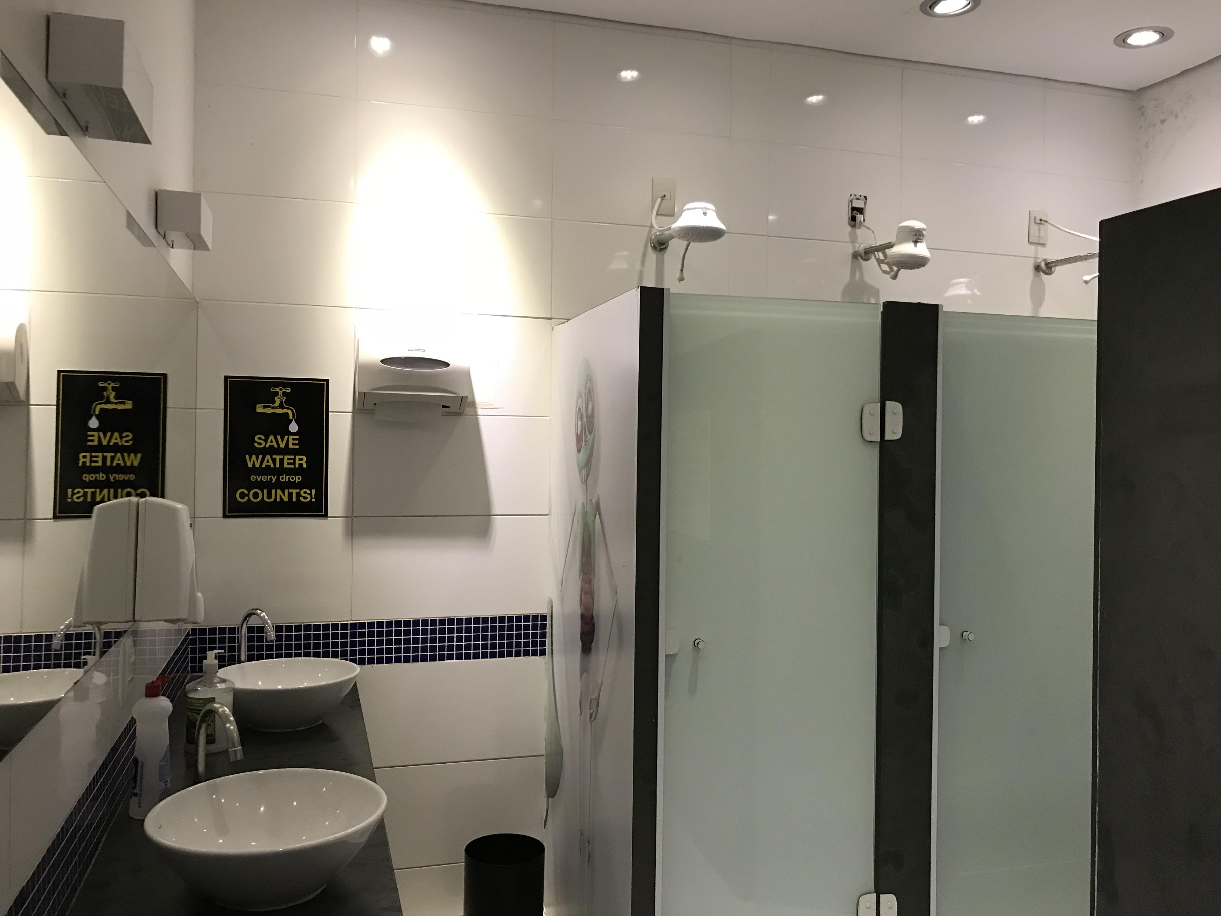 banheiro hostel