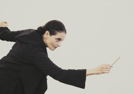Imperdível: Espetáculo de Denise Fraga, escrito a partir de histórias reais, faz sua estreia no novo Teatro Vivo!