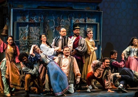 Aladdin, o Musical, chega ao Teatro Porto Seguro, com voo do tapete e tudo!