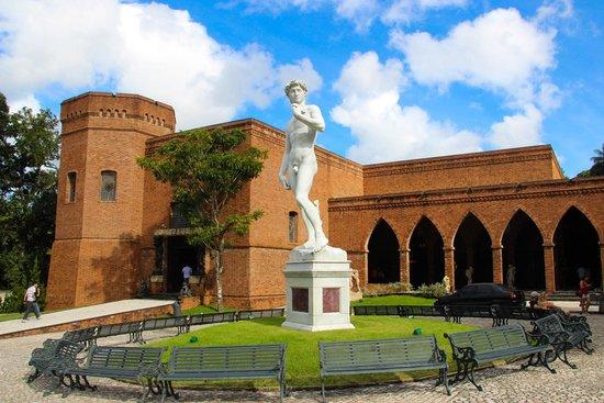 Instituto Ricardo Brennand: é possível conhecer um pouco deste templo da Arte sem sair de casa!